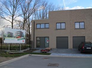 Klassevolle en duurzaam afgewerkte nieuwbouwwoning gelegen in een rustige nieuwbouwverkaveling in Oostende en toch met alle voorzieningen in de dichte