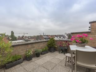 Gezellig ingericht dakappartement te koop te Kortrijk. <br /> Wenst u zorgeloos te investeren in vastgoed?<br /> <br /> Investeer in dit appartement e
