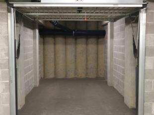 Garagebox te huur in centrum Brussel!<br /> <br /> Er kan een stadswagen worden geparkeerd.<br /> De afmetingen van de box zijn: 2,75 m x 5 m.