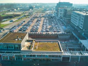 Handelspand te koop op uitzonderlijke locatie op het stationsplein van Brugge.  Investeringspand met aantrekkelijk rendement! <br /> <br /> DETAILS:<b