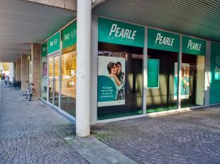 Handelspand te koop op uitzonderlijke locatie op het stationsplein van Brugge. Investeringspand met aantrekkelijk rendement! <br /> <br /> DETAILS:<br