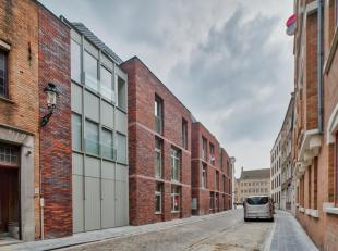 """Dit magnifiek appartement te huur is gelegen in residentie """"Augustijnenhof"""" en bevindt zich op een TOPligging in het centrum van Brugge nabij de Augus"""