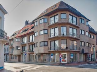 Appartement met twee ruime slaapkamers gelegen in het centrum van Roeselare. Door zijn centrale ligging is alles bereikbaar op wandelafstand.<br /> <b