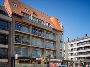Recent en instapklaar duplexappartement gelegen op de vierde verdieping van de residentie Royal Astoria met één slaapkamer op toplocatie