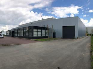 Kantoor met loods te huur in Ieper op de industriezone (deel van een groter geheel)<br /> <br /> A; Ingericht kantoor met voorliggende parking<br />
