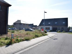 Gunstig gelegen bouwgrond te koop in Zulte geschikt voor gesloten bebouwing op 270m². <br /> <br /> Deze bouwgrond is gelegen in een doodlopende