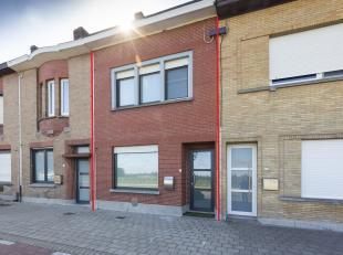 Op zoek naar een instapklaar huis te koop te Marke? Op fietsafstand van Kortrijk centrum. Nabij winkels (Carrefour, Spar..) scholen (Damiaanschool, op