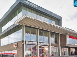 Horecapand (273m²) te huur gelegen aan het Station van Brugge, perfect zichtbaar van op de ring. Toplocatie! <br /> <br /> Het pand maakt deel ui