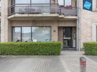 Kantoorruimte te koop van ca. 73m² op kleine Ring van Roeselare.<br /> <br /> Gelegen nabij het centrum van Roeselare op een commerciële lig