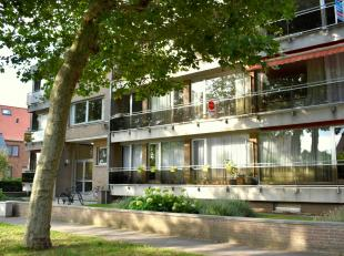 Knap appartement te huur in Brugge, op een goede ligging nabij het centrum en met vlotte bereikbaarheid naar invalswegen. Het appartement biedt u twee