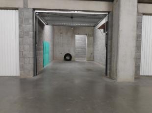 Garage à vendre                     à 8630 Veurne