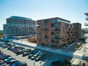 Prachtig nieuwbouwappartement te huur met 2 slaapkamers en terras op toplocatie in Brugge. Nabij het station en dicht bij het centrum van Brugge, alle