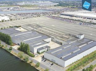 Dit bedrijfsgebouw is gelegen langs het Zeekanaal Gent-Terneuzen. Op 1,5 km van de R4. Dit zorgt voor een vlotte verbinding met de E17 Kortrijk- Antwe