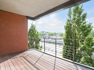 Luxe en ruimte zijn de kernwoorden bij uitstek in dit appartement op de tweede verdieping in residentie Waterside. Dit appartement met een royale oppe