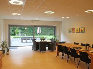 Bedrijfsvastgoed te huur                     in 8200 Sint-Michiels
