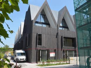 """Deze handelsruimte maakt deel uit van het klassevolle nieuwbouwproject """"De Wispeltuin"""" hetgeen uitgeeft op de Katelijnestraat in het centrum van Brugg"""