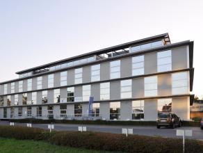 Deze instapklare kantoorruimte maakt deel uit van een klassevol kantoorgebouw op een zeer strategische zichtlocatie langsheen de Expressweg te Sint-An