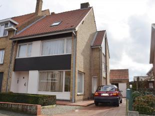 Deze charmevolle woning is gelegen op een rustige en vlot bereikbare locatie nabij het centrum Brugge met een goede bereikbaarheid t.o.v. het station,