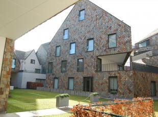 Ruim luxe-nieuwbouwappartement met 3 kamers en terras in prestigieus project in centrum van Brugge met ondergrondse parking en binnenplein.<br /> Vraa