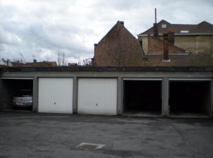 Gesloten garagebox nr 15 op een centrale ligging in de werkhuisstraat te Brugge.