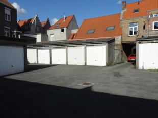 Gesloten garagebox nr 2 op een centrale ligging in de werkhuisstraat te Brugge.