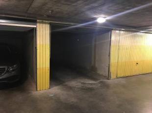 Gesloten garagebox 'Rijckepijnders' gelegen in het centrum van Brugge nabij de Langerei.