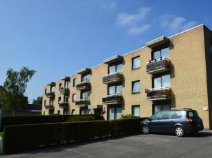 Dit knap appartement vinden wij in een wijk die gekend staat als een rustig woongebied. In de directe omgeving bevinden er zich enkele lokale winkeltj