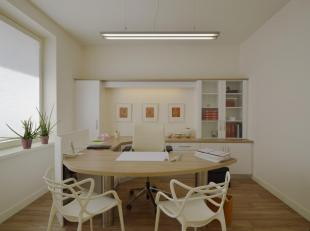 Dit ruime kantoor (ca. 88m²) is gelegen in de Dorpskern van Sint-Kruis, op fietsafstand van centrum Brugge. Door haar centrale ligging is het kan