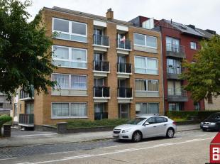 Dit appartement, op de 3de verdieping (lift aanwezig), bevindt zich in een rustig wijk aan de rand van het ei van Brugge. Het geniet van een goede ver