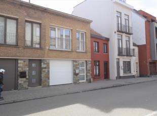 Rustig gelegen appartement op verdiep 1Dit volledig gerenoveerd appartement is gelegen op de eerste verdieping van deze kleine residentie (slechts 2 a