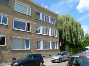 Op een boogscheut van Brugge Centrum is op de gelijkvloerse verdieping (0/1) een goed onderhouden woonappartement gelegen in een kleinschalige residen