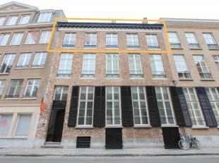 Deze verder af te werken duplex vinden we te Spanjaardstraat, Centrum Brugge. <br /> <br /> De indeling is als volgt, op het  2e verdiep vindt u de in