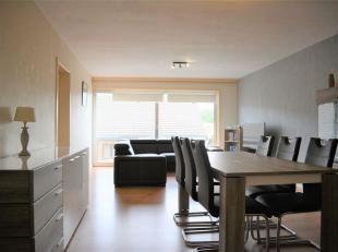 Aangenaam appartement op praktische ligging te Sint-Andries - Brugge.<br /> Dit ruim appartement van om en bij de 100 m² bruto (= terrassen inbeg