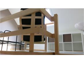 Vernieuwde duplex-studentenkamer met eigen keuken en badkamer zal garant staan voor een aangename en memorabele studenten- of stagetijd in Brugge. Kle