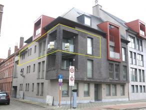 Dit ruim en instapklaar 2-slaapkamerappartement heeft een interessante ligging in Brugge, vlakbij de ring, 't Zand en het centrum van Brugge. Heeft oo