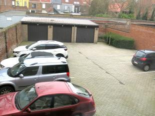 Autostandplaats te huur in de Gistelse Steenweg in Sint-Andries vlakbij de invalswegen, de expresweg en het centrum van Brugge.Mogelijkheid tot bijhur
