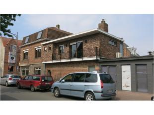 Deze ruime 5-slaapkamer duplex heeft een centrale ligging in Sint- Andries. Ideaal gelegen vlakbij winkels, openbaar vervoer en met een vlotte verbind