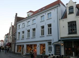 Prachtig 1-slaapkamerappartement gelegen in het centrum van Brugge vlakbij het Minnewater. Volledig afgewerkt met kwaliteitsvolle materialen - gunstig