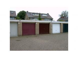 Garagebox gelegen in Assebroek vlakbij het centrum van Brugge en de Gentpoort.Vrij 1 december 2019