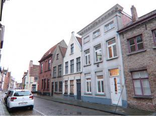 Comfortabel en praktisch 1-slaapkamerappartement, zeer goed gelegen in het centrum van Brugge, vlakbij het Astridpark, diverse winkels en openbaar ver