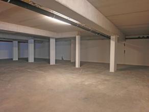Ondergrondse parkeerplaats nummer 13 in residentie Rutherford. De residentie geniet van een goede, vlot bereikbare ligging en dit op wandelafstand van