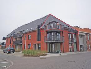 Lichtrijk ruim nieuwbouwappartement in residentie Rutherford, bestaande uit:<br /> Inkom, toilet, leefruimte met aansluitend terras, open ingerichte k