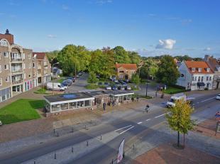 Dit lichtrijk verzorgd appartement is gelegen in het centrum van Oostkamp met verschillende winkels en diensten op wandelafstand gelegen.<br /> Het ap