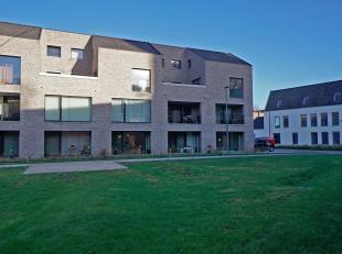 """Dit nieuwbouwappartement met twee slaapkamers gelegen in het prachtige woonproject """"De Indruk"""", geniet van een zeer goeie ligging in het centrum van B"""