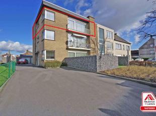 Volledig gerenoveerd & instapklaar appartement gelegen nabij centrum Roeselare.<br /> Het lichtrijk appartement bestaat uit een inkom, een lichtri