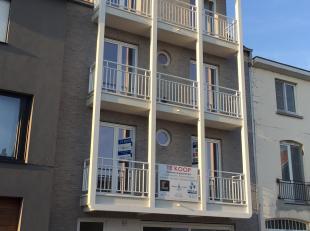 Dit nieuwbouwproject bestaat uit 4 zonnige appartementen met ruime terrassen. Het gebouw bestaat uit een gelijkvloers appartement met 1 slaapkamer, 2