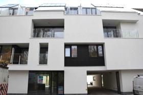 PRACHTIG gelegen nieuwbouw appartementen op 500 meter van de Smedenpoort.Gelegen te midden van vele winkels en met een mooi zicht op een beschermd par