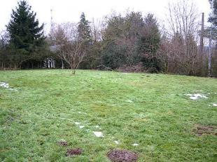 Danneels Project vous propose un beau terrain à bâtir dans le joli village quest Marcouray. Ce terrain plat est situé plus haut qu