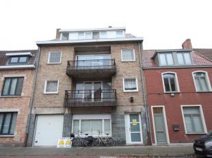 Brugge Sint-Andries,<br /> ruim appartement met 2 slaapkamers en zonnebalkon.<br /> Omvat: grote hall, apart toilet, ruime living met zonnebalkon,eet-