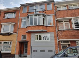 Brugge Sint-Andries, vlakbij Smedenpoort<br /> Instapklaar heel ruim BURGERSHUIS met garage bestaande uit 2 volledige ingerichte woningen, IDEALE KAN
